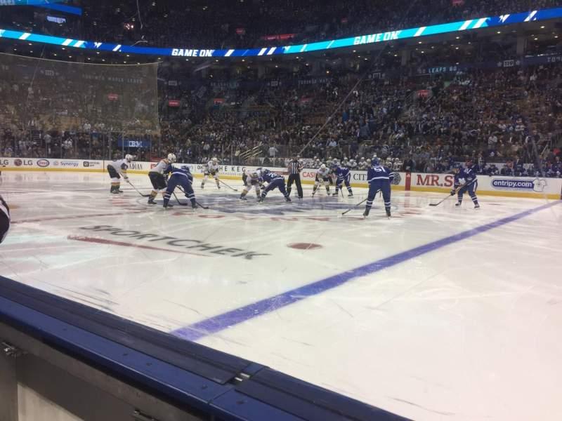 Vista sentada para Scotiabank Arena Secção 107 Fila 1 Lugar 18