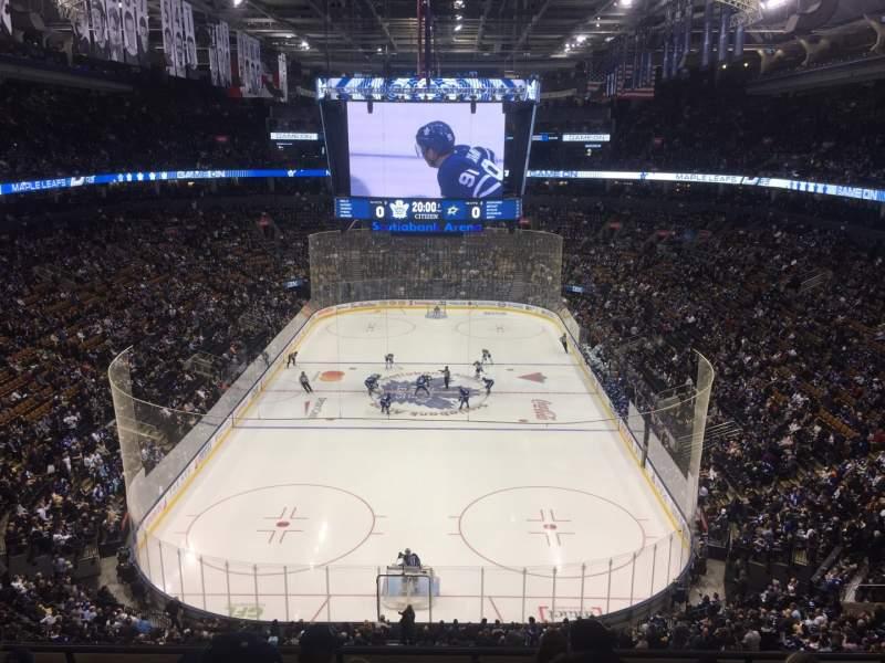 Vista sentada para Scotiabank Arena Secção 303 Fila 6 Lugar 5