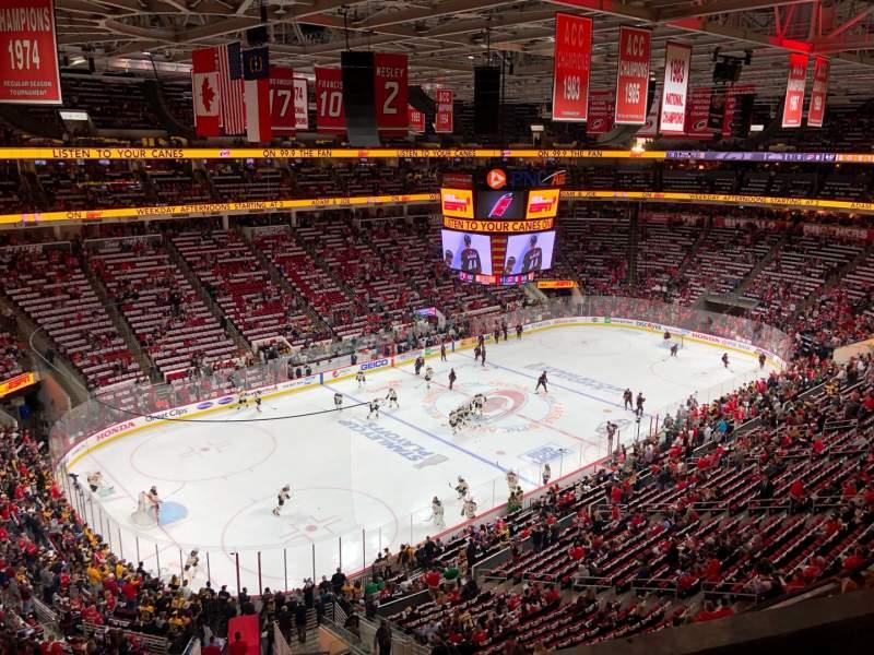 Vista sentada para PNC Arena Secção 328 Fila B Lugar 8