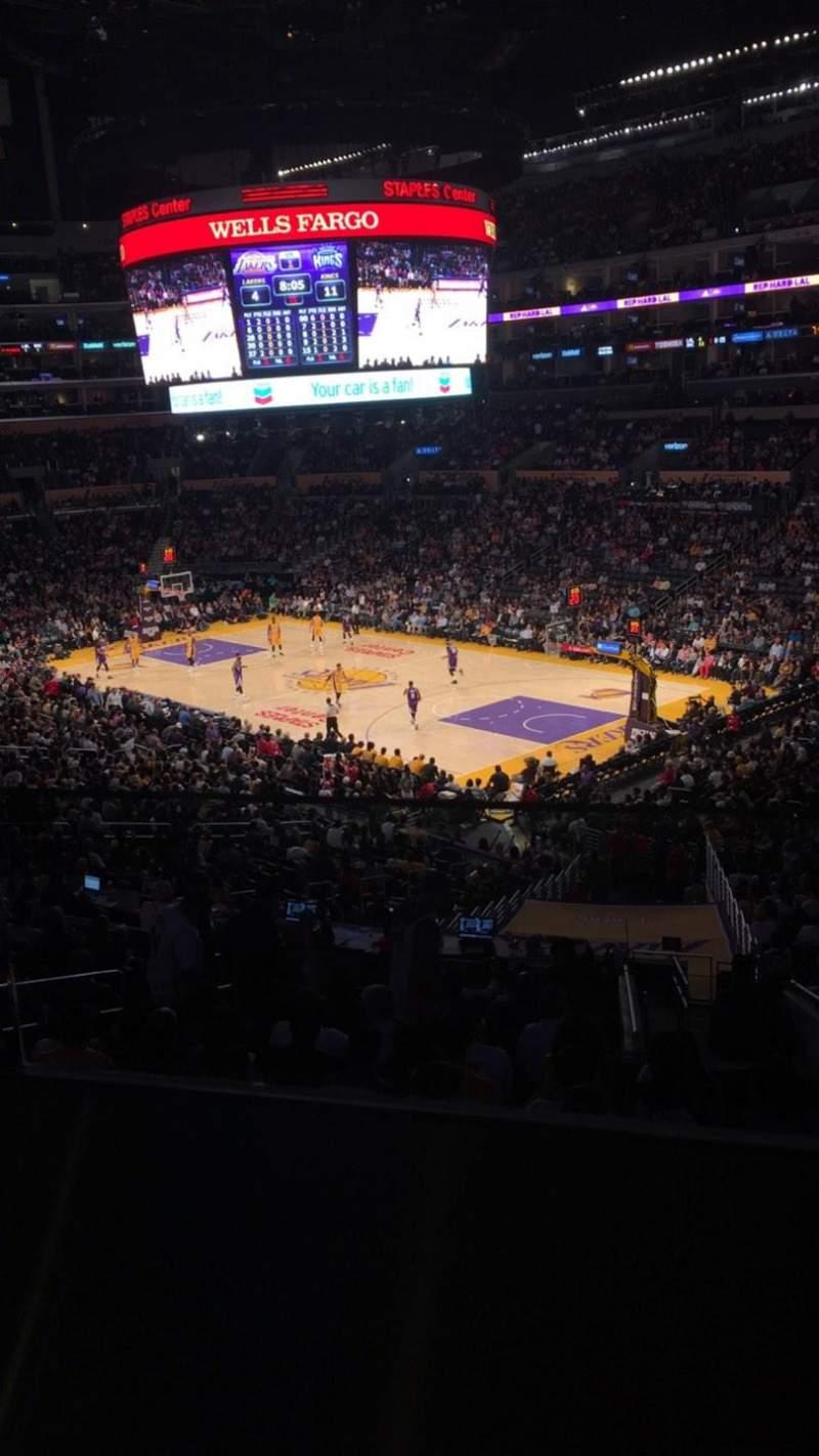 Vista sentada para Staples Center Secção Suite A2 Fila GA Lugar 8