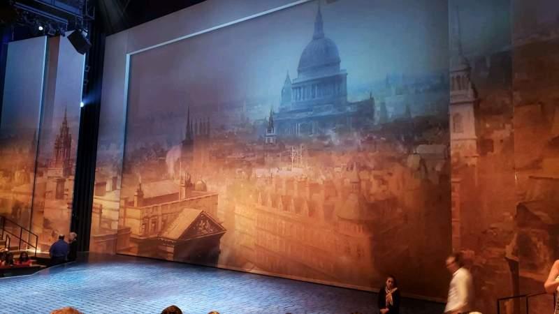 Vista sentada para Vivian Beaumont Theater Secção Orchestra R Fila J Lugar 501