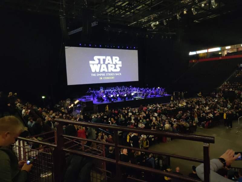 Vista sentada para Manchester Arena Secção 106 Fila M Lugar 1