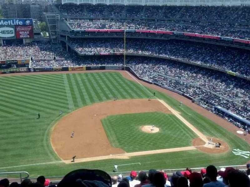 Vista sentada para Yankee Stadium Secção 425 Fila 11 Lugar 18