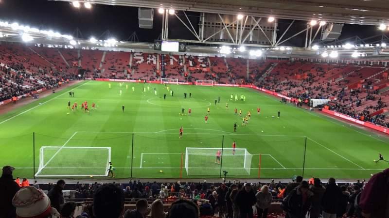 Vista sentada para St Mary's Stadium Secção D Fila OO Lugar 498