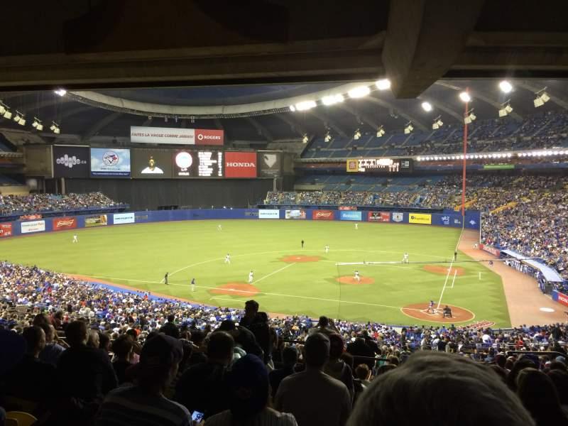 Vista sentada para Olympic Stadium, Montreal Secção 210 Fila M Lugar 8