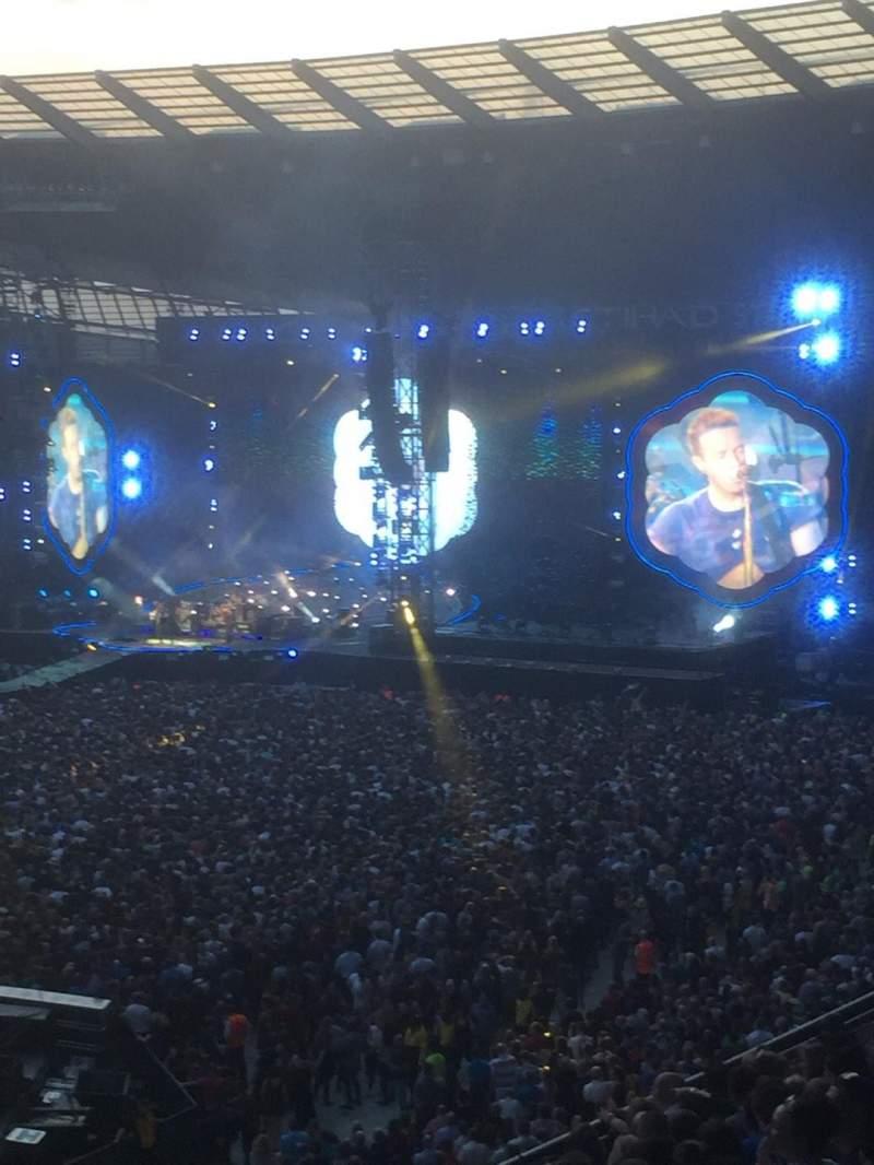 Vista sentada para Etihad Stadium (Manchester) Secção 106 Fila T Lugar 138