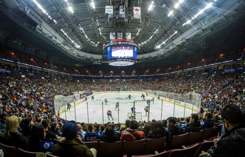 Vista sentada para Rogers Arena Secção 112 Fila 13 Lugar 6