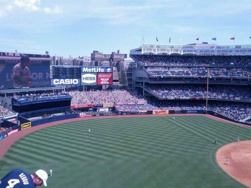 Vista sentada para Yankee Stadium Secção 329 Fila 7 Lugar 12