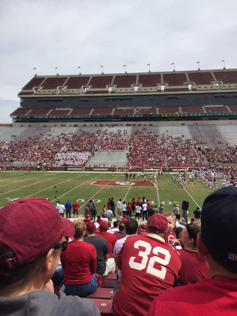 Vista sentada para Gaylord Memorial Stadium Secção 4 Fila 1 Lugar 7
