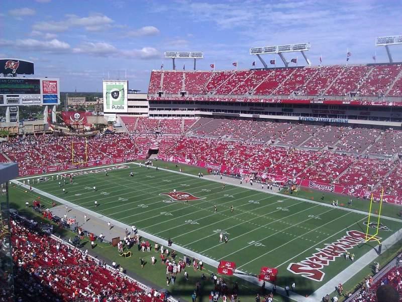 Vista sentada para Raymond James Stadium Secção 318 Fila A Lugar 5
