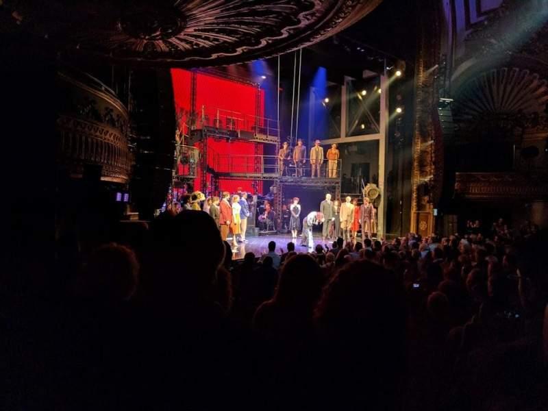 Vista sentada para Palace Theatre (Broadway) Secção ORCH Fila M Lugar 9