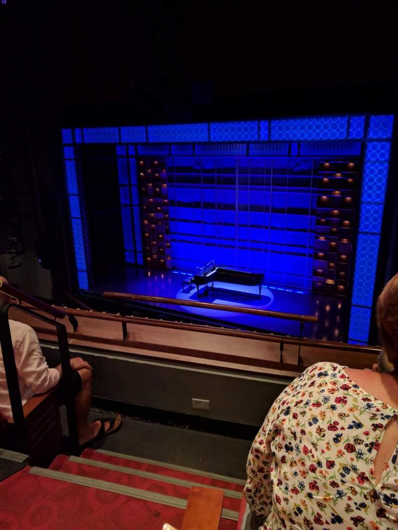 Vista sentada para Stephen Sondheim Theatre Secção Mezzanine Fila CC Lugar 2