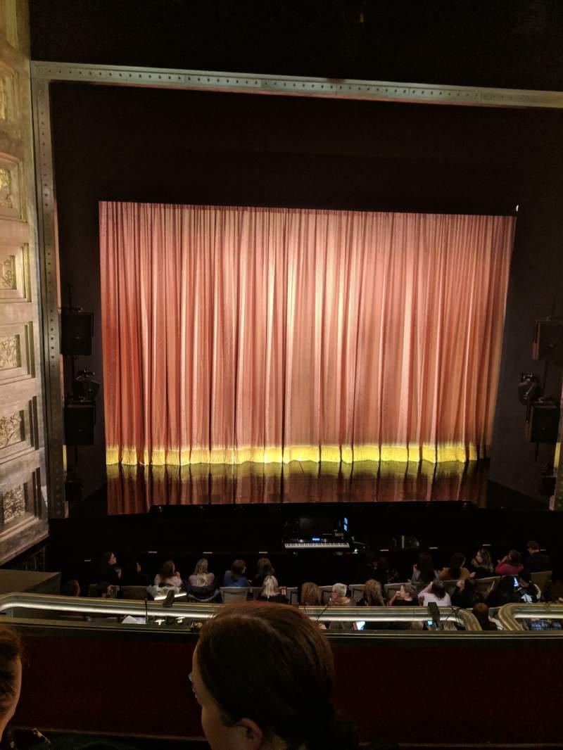 Vista sentada para Savoy Theatre Secção Dress Circle Fila B Lugar 19