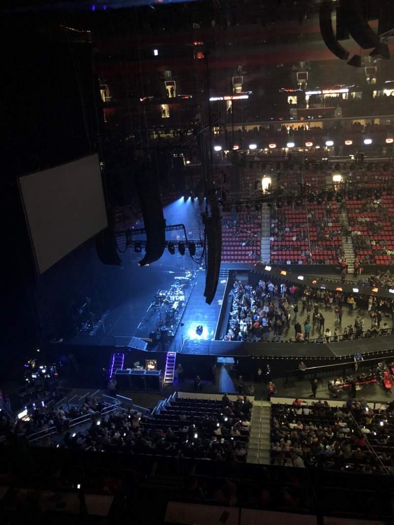 Vista sentada para Little Caesars Arena Secção 228 Fila 1 Lugar 10