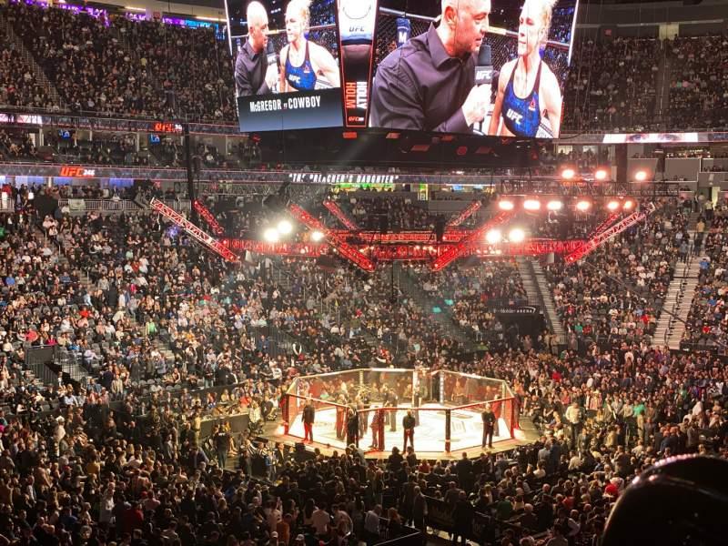 Vista sentada para T-Mobile Arena Secção 3 Fila WC1 Lugar 4