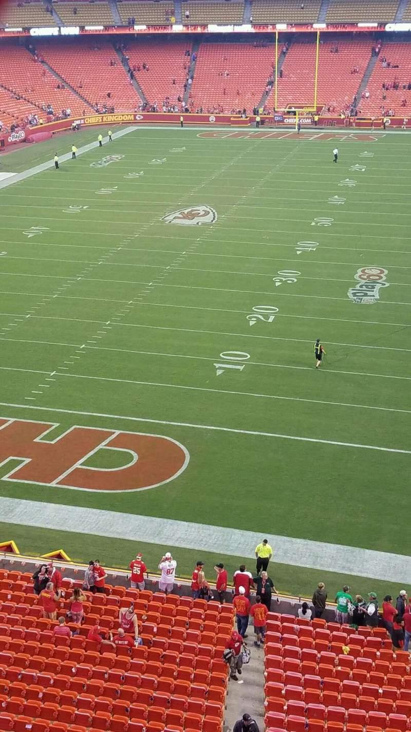 Vista sentada para Arrowhead Stadium Secção 334 Fila 1 Lugar 1