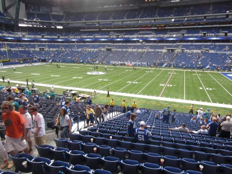 Vista sentada para Lucas Oil Stadium Secção 210 Fila 11 Lugar 24