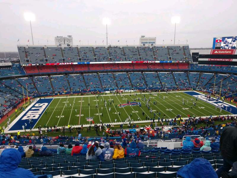 Vista sentada para Highmark Stadium Secção 335 Fila 27 Lugar 13