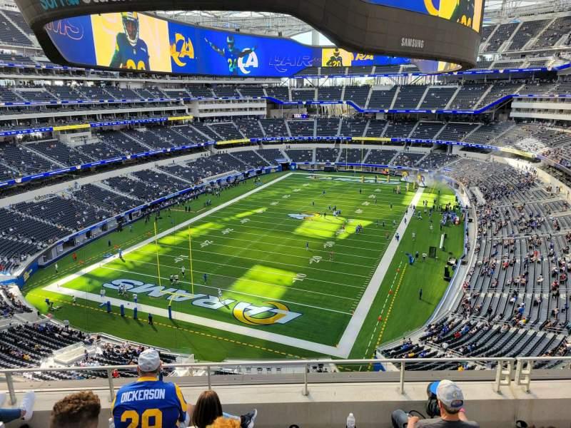 Vista sentada para SoFi Stadium Secção 339 Fila 5 Lugar 13