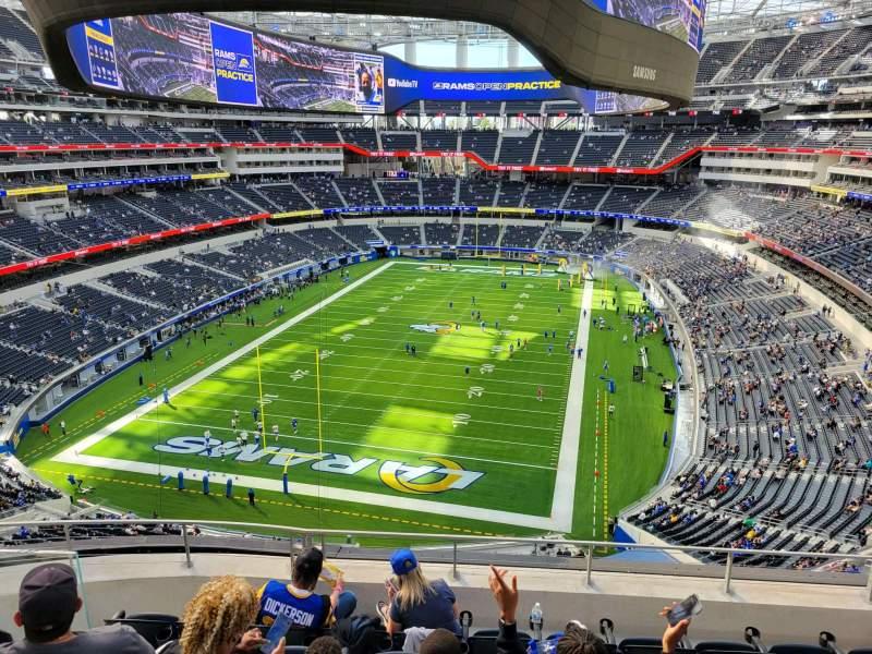 Vista sentada para SoFi Stadium Secção 338 Fila 6 Lugar 10