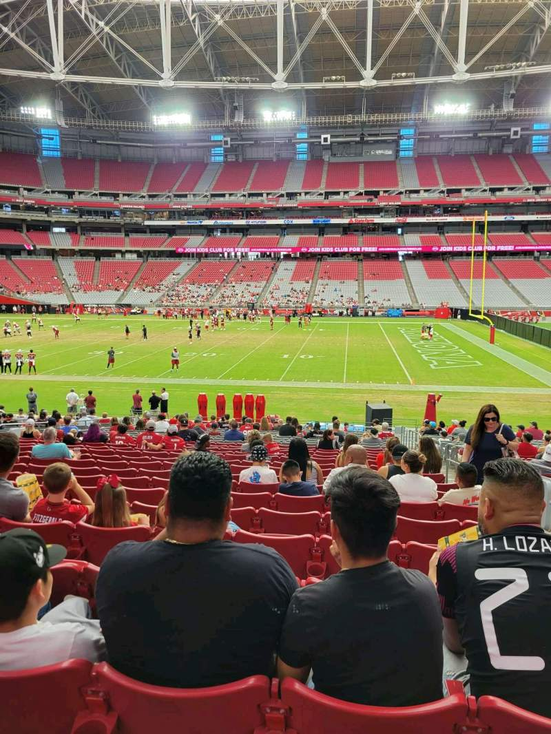 Vista sentada para State Farm Stadium Secção 130 Fila 25 Lugar 3