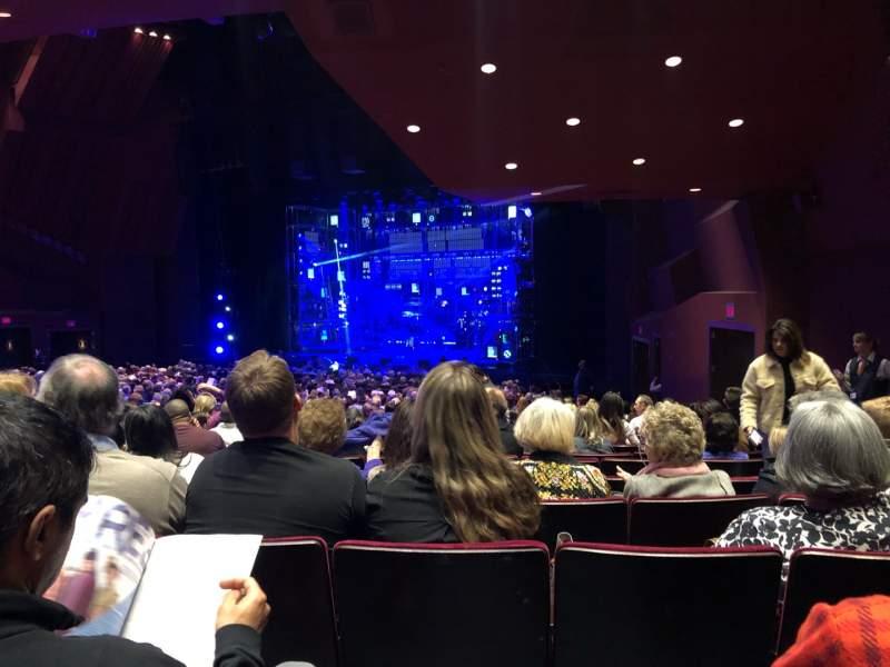 Vista sentada para Segerstrom Hall Secção Orchestra Fila X Lugar 8