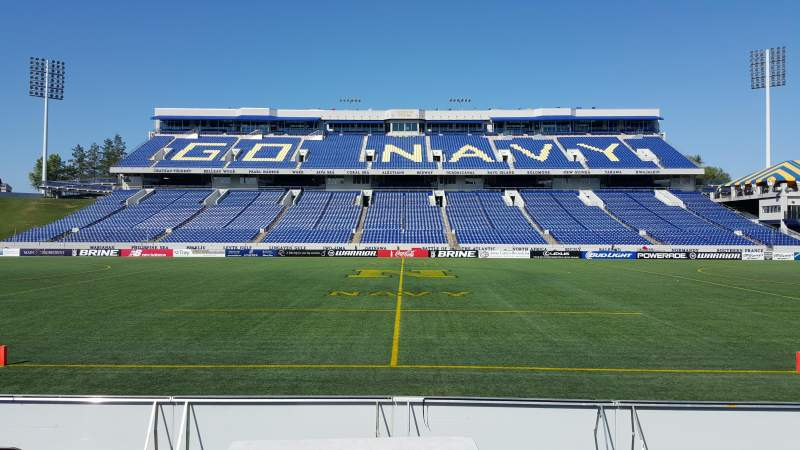 Vista sentada para Navy-Marine Corps Memorial Stadium Secção 27 Fila E Lugar 1