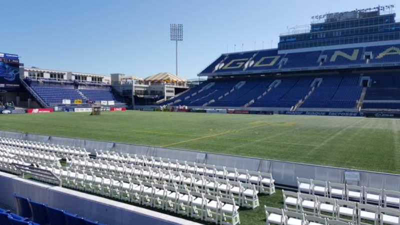 Vista sentada para Navy-Marine Corps Memorial Stadium Secção 28 Fila E Lugar 24