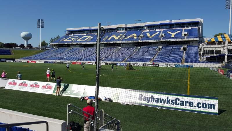 Vista sentada para Navy-Marine Corps Memorial Stadium Secção E Fila 1 Lugar 16