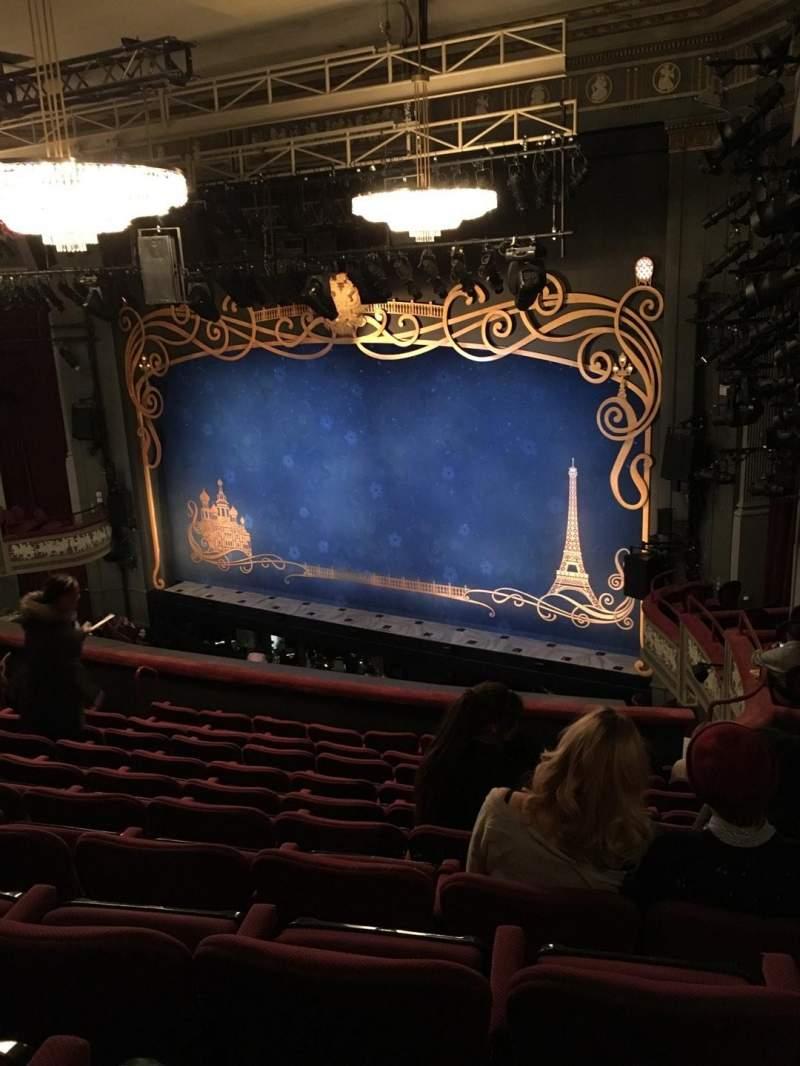 Vista sentada para Broadhurst Theatre Secção Mezzanine R Fila K Lugar 26
