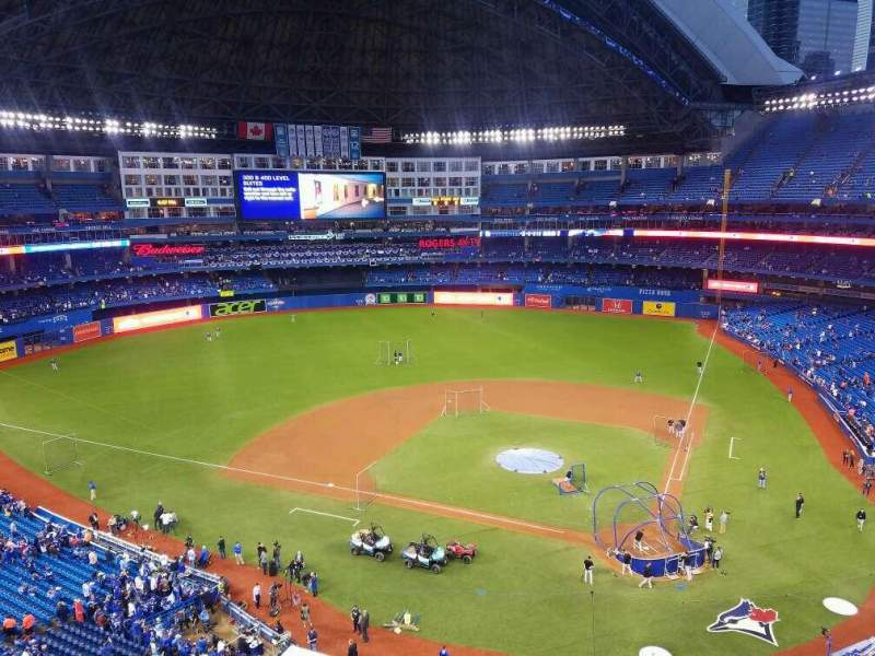 Vista sentada para Rogers Centre Secção 526L Fila 2 Lugar 106