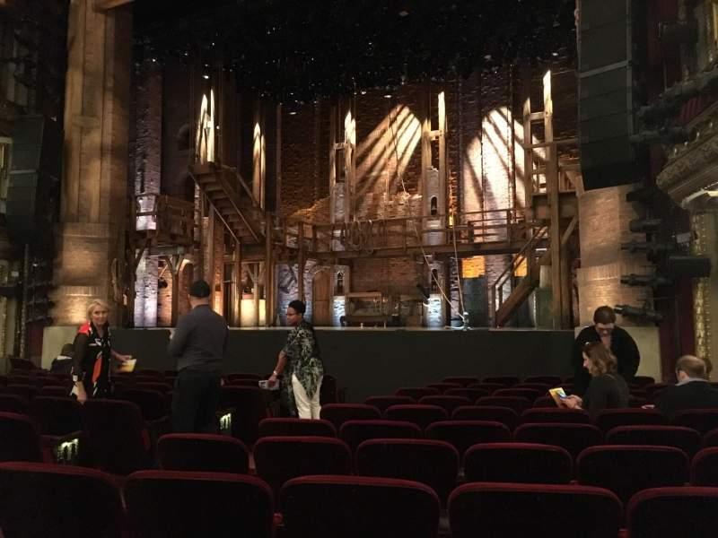 Vista sentada para CIBC Theatre Secção Orchestra R Fila M Lugar 10