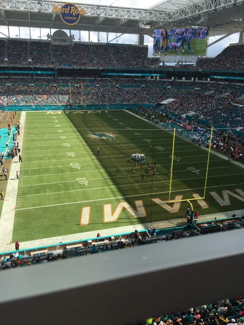 Vista sentada para Hard Rock Stadium Secção 306 Fila 1 Lugar 8