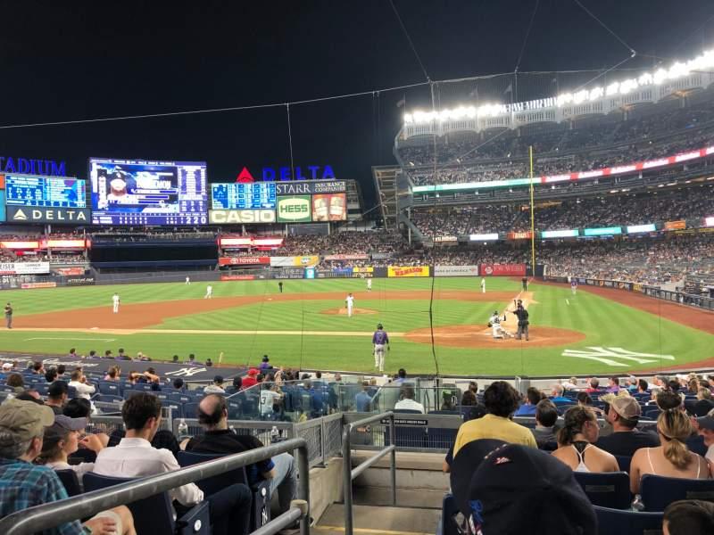 Vista sentada para Yankee Stadium Secção 121b Fila 7 Lugar 13