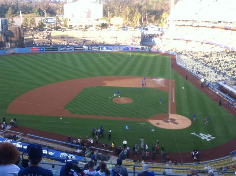 Vista sentada para Dodger Stadium Secção 9RS Fila M Lugar 12