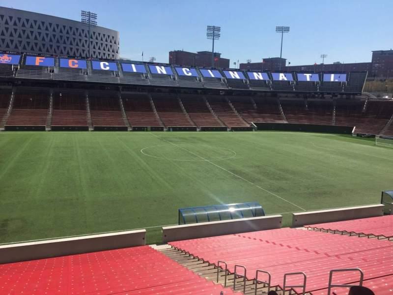 Vista sentada para Nippert Stadium Secção 124 Fila 32 Lugar 11