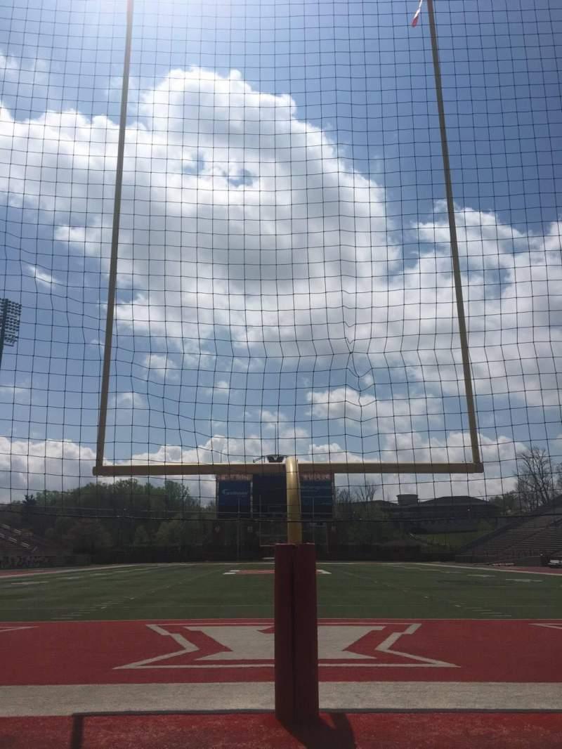 Vista sentada para Yager Stadium Secção Field