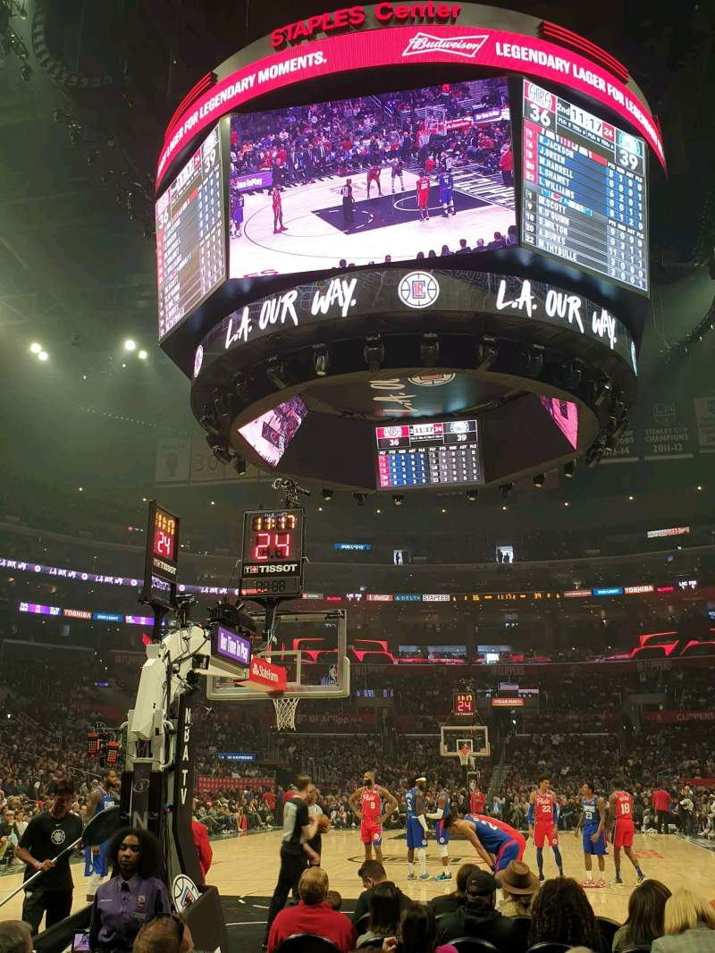 Vista sentada para Staples Center Secção 106 Fila G Lugar 5