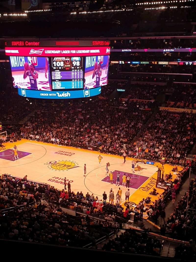 Vista sentada para Staples Center Secção Suite C5 Fila GA Lugar 3