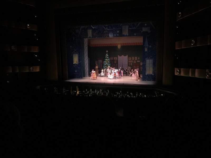Vista sentada para David H. Koch Theater Secção 1st Ring Fila C Lugar 12