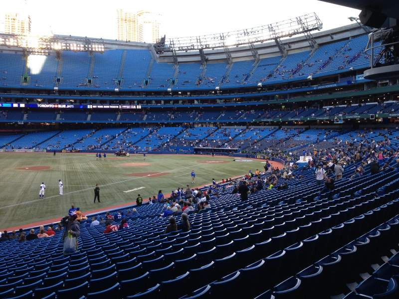 Vista sentada para Rogers Centre Secção 130CL Fila 33 Lugar 101