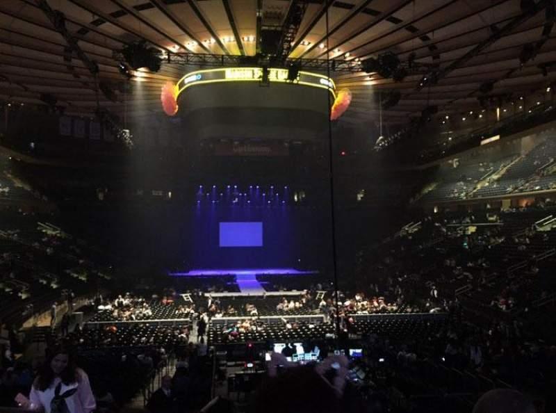 Vista sentada para Madison Square Garden Secção 102 Fila 15 Lugar 4