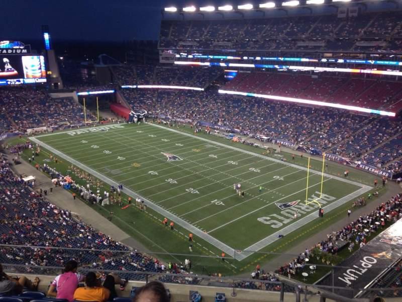 Vista sentada para Gillette Stadium Secção 323 Fila 7 Lugar 1