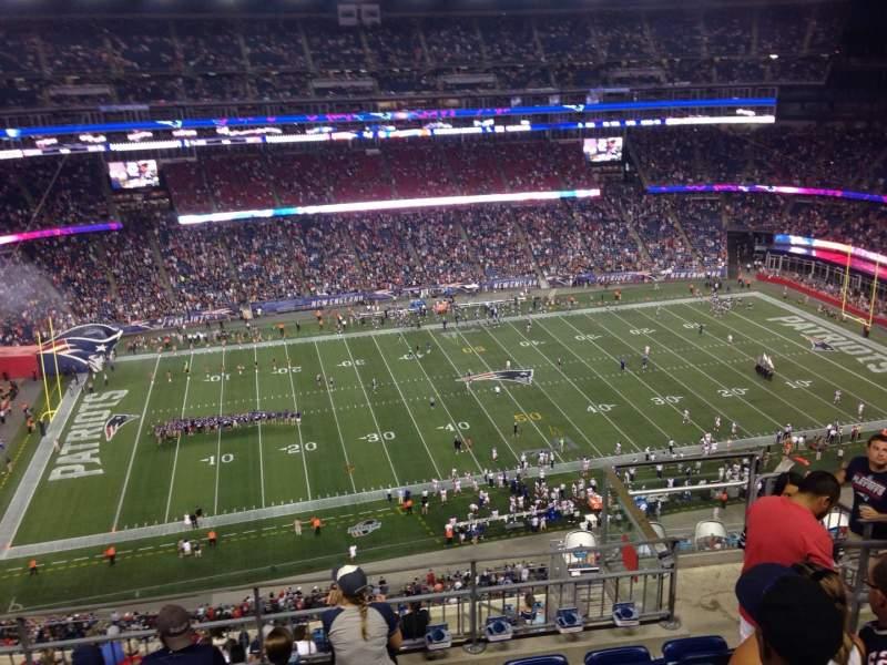 Vista sentada para Gillette Stadium Secção 334 Fila 13 Lugar 5