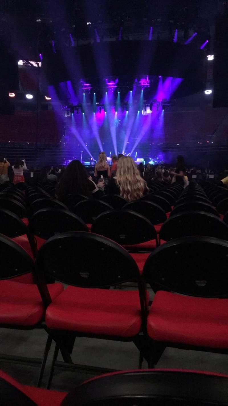 Vista sentada para Little Caesars Arena Secção Floor 4 Fila 12 Lugar 7