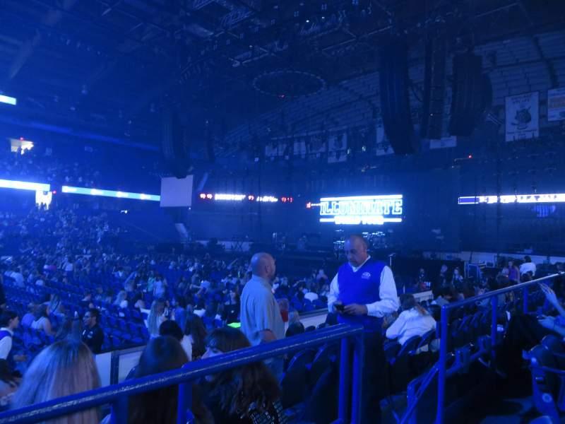 Vista sentada para Allstate Arena Secção 111 Fila B Lugar 4