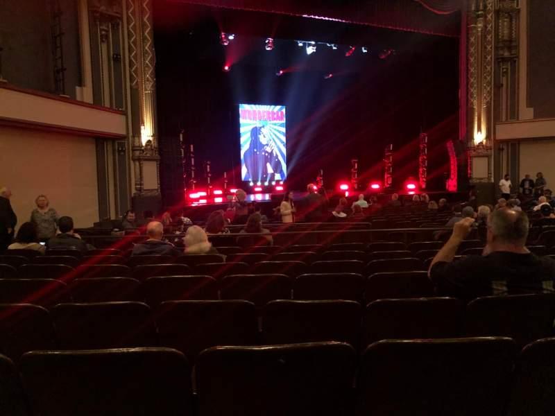Vista sentada para Golden Gate Theatre Secção Orchestra L Fila R Lugar 21