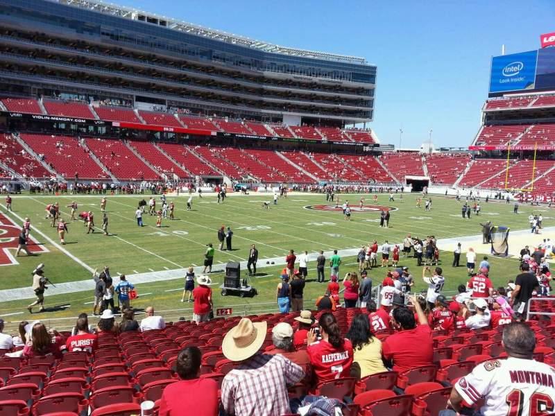 Vista sentada para Levi's Stadium Secção 121 Fila 16 Lugar 17