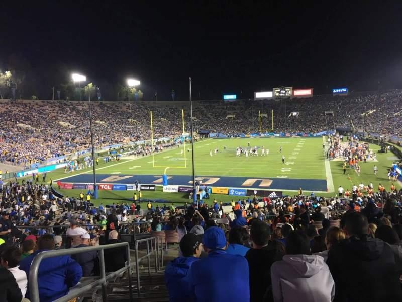 Vista sentada para Rose Bowl Secção 13-L Fila 44 Lugar 23