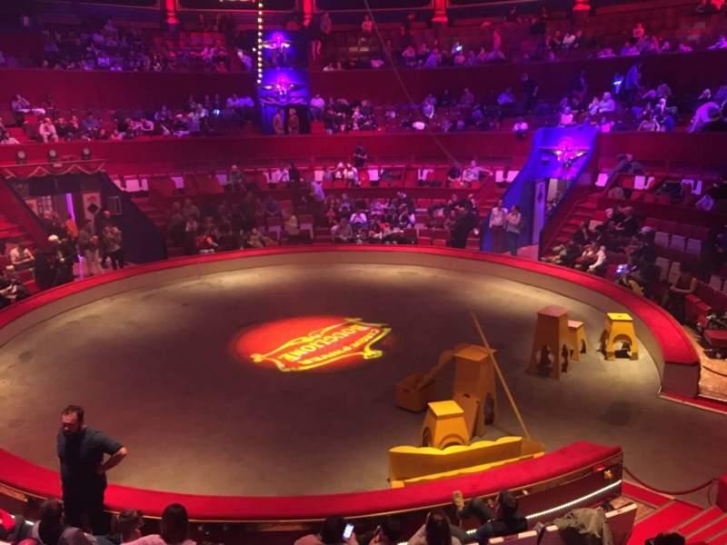 Vista sentada para Cirque d'hiver Secção B Fila A Lugar 72